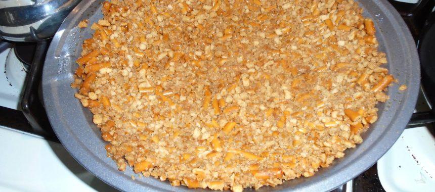 Gluten Free Vegan Carob Pudding Pretzel Pie